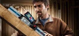 Ouvrier construction bois
