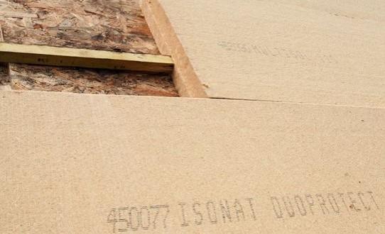 Panneaux isolants en fibres de bois