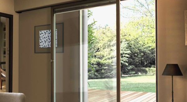 un coulissant frappe avec seuil plat woodsurfer. Black Bedroom Furniture Sets. Home Design Ideas